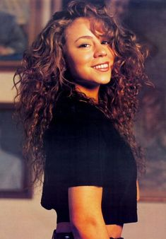 Mariah Carey (born March 1969 or is an American singer, songwriter, record producer and actress. After signing to Columbia Records, she released her debut album, Mariah Carey which spawned four number-one singles on the U. Mariah Carey Anos 90, Mariah Carey Young, Mariah Carey Makeup, Christy Turlington, Fashion Guys, 90s Fashion, 90s Hairstyles, Updos Hairstyle, Mode Inspiration
