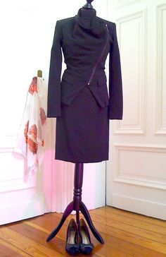Schwarzes Damen-Kostüm, tailliert, Jacke Gr.36/Rock Gr.38-