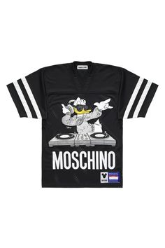 donald duck moschino t shirt size medium. hm check my other listings for authentic designer shoes, clothes and handbags like michael kors, marc jacobs, steve madden, kate spade and alexander mcqueen H&m Fashion, Fashion News, Fashion Online, Kids Fashion, Moschino, Jeremy Scott, H&m Collaboration, Tight Leather Pants, H&m Online