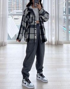 Tomboy Fashion, Teen Fashion Outfits, Curvy Fashion, New Outfits, Trendy Outfits, Cool Outfits, Streetwear Fashion, Korean Outfit Street Styles, Korean Street Fashion