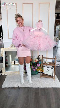 Baby Girl Dresses Diy, Little Girl Gowns, Kids Party Wear Dresses, Baby Girl Birthday Dress, Baby Girl Frocks, Kids Dress Wear, Fancy Dress For Kids, Kids Gown, Baby Girl Dress Patterns
