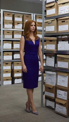 Here are 27 pictures of Jessica, Donna and Rachel from 'Suits' to give you office style inspiration. Classy Work Outfits, Office Outfits, Chic Outfits, Fashion Outfits, Workwear Fashion, Fashion Blogs, Fashion Trends, Donna Suits, Suits Rachel