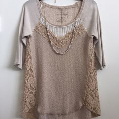 """Free People top Free People quarter sleeve top with lace detail, great condition, size M, 18"""" bust Free People Tops"""