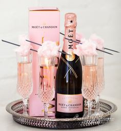 Moet & Chandon Rose with cotton candy - Great idea! Moet Chandon, Mod Wedding, Wedding Events, Wedding Ideas, Wedding Hacks, Tent Wedding, Saree Wedding, Chic Wedding, Wedding Stuff