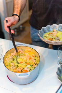 Enkel laxsoppa med fänkål och timjan - 56kilo.se⎜God Mat & LCHF Inspiration Raw Food Recipes, Fish Recipes, Soup Recipes, Vegetarian Recipes, Cooking Recipes, Healthy Recipes, Snack Recipes, Swedish Recipes, Food Blogs