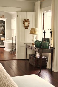 Be inspired 8 unique flooring ideas from rate my space for Pintura color lino