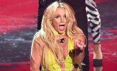 A performance de Britney Spears (ao vivo 2016 MTV VMA)   Nove anos depois da sua última apresentação no VMA2007 que foi um fracasso total pois a cantora não passava por um bom momento na vida pessoal e isso se refletiu na sua carreira. Britney volta aos palcos deslumbrante. E agradou ao publico e a Billboard.O tão esperado show começou era quase meia- noite foi anunciada por Kim Kardashian West e subiu ao palco arrasando. It's Britney Bitch!Claro que a cantora não agradou a todos pois a…