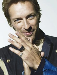 """Chris Martin of Coldplay, They once said in an interview that """"they couldn't define who they are, their not rock or pop their just who they are. Music Love, Music Is Life, Gorgeous Men, Beautiful People, Chris Martin Coldplay, Britpop, Portraits, Raining Men, Artists"""