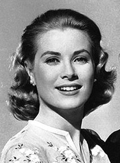 A close-up of Grace Kelly in a publicity still for High Society
