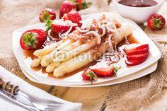 Weisser Spargel mit Erdbeer-Pfeffersauce