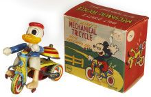 Donald Duck Mechanical Tricycle with revolving bell, w/ box, 155,45 € (20/12/13)