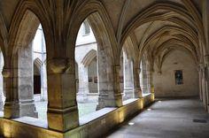 Cloître des Billettes (1427) 24, rue des Archives Paris 75004