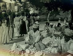 Item: 1-484 Title: Stone Carriers Photographer:  Publisher: Keystone Publisher#: Year: 1900 Height:  Width:  Media: Gelatin Silver stereocard Color: b/w Country: Jamaica Town: Kingston Notes:  For information about licensing this image, visit: THE CARIBBEAN PHOTO ARCHIVE