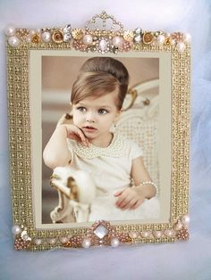 Vintage rhinestone jewelry art framed,Frame,Porta retrato em Pedrarias, jeweled frame, joias,bijuterias, jewellery ,enfeite de mesa;festas