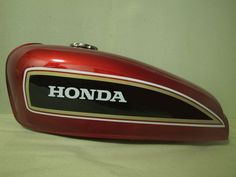 Aftermarket part for Honda CG CB CL model or re-built cafe racer. Fuel tank in outstanding quality, perfect for your classic outlook motorcycle. Cafe Racer Tank, Style Cafe Racer, Cafe Racer Girl, Cafe Racer Build, Sportster Cafe Racer, Cafe Racer Honda, Bmw Classic Cars, Classic Car Show, Honda 250