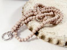 Lange+Perlenkette+Charmträger+Holz+sand+90+cm+von+CP-PerlenHarmonie+auf+DaWanda.com