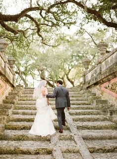 Beautiful wedding at the Vizcaya Museum and Gardens in Miami