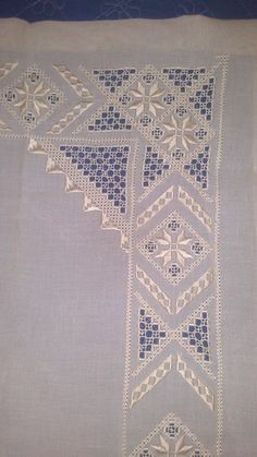 This Pin was discovered by Nur Hardanger Embroidery, Lace Embroidery, Cross Stitch Embroidery, Embroidery Patterns, Craft Sites, Drawn Thread, Fabric Yarn, Embroidery Needles, Heirloom Sewing