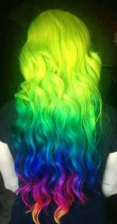 Dye your hair simple & easy to ombre green blue hair color - temporarily use ombre green blue hair dye to achieve brilliant results! DIY your hair ombre with hair chalk Love Hair, Gorgeous Hair, My Hair, Hair Dye, Beautiful, Ombre Highlights, Rainbow Highlights, Coloured Hair, Dream Hair