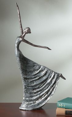 Love this free spirit dancer - La Danse Sculpture - Acaciapaverpol que esLove the movement of this piece. Sculptures Céramiques, Sculpture Clay, Ceramic Figures, Ceramic Art, Clay Dolls, Art Dolls, Paperclay, Wire Art, Art Plastique