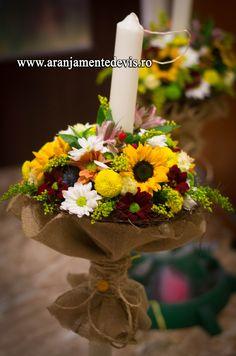Lumanare cununie, model rustic. Candles, Table Decorations, Plants, Model, Home Decor, Decoration Home, Room Decor, Scale Model