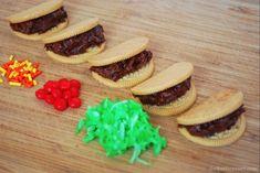 The Kurtz Corner Cinco De Mayo - Cookie Taco Treats Taco Cupcakes, Taco Cake, Themed Cupcakes, Cupcake Cakes, Kids Food Crafts, How To Make Taco, Holiday Cupcakes, Taco Party, Novelty Cakes