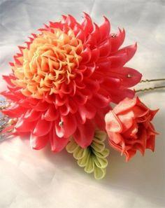 (54) Одноклассники Diy Lace Ribbon Flowers, Kanzashi Flowers, Ribbon Art, Diy Ribbon, Fabric Ribbon, Ribbon Crafts, Flower Crafts, Fabric Flowers, Paper Flowers