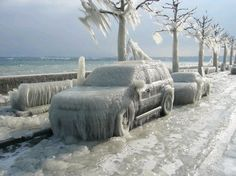 12 Fascinating Images of Extreme Cold Weather Conditions - winter, freeze, polar vortex, cold, storm - Oddee Severe Weather, Extreme Weather, Weather Conditions, Weather Warnings, Weather Wallpaper, Grandes Photos, Winter Schnee, Ice Storm, Storm Lake