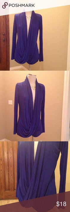 Sun Moon top Great condition gorgeous blouse!! Sun n Moon Tops Blouses