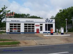 old gas stations | Vintage Gulf gas station | Flickr - Photo Sharing!