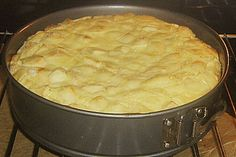 Apfelrahmkuchen mit Mandeln, ein schmackhaftes Rezept aus der Kategorie Kuchen. Bewertungen: 11. Durchschnitt: Ø 4,0. German Baking, No Bake Cake, Apple Cake, Carrot Cake, Baking Recipes, Cake Recipes, Different Cakes, Sweet Bakery, Austrian Recipes