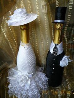 Discover thousands of images about A lot of beautiful ideas. Wine Bottle Glasses, Wedding Wine Glasses, Wedding Wine Bottles, Wine Bottle Covers, Wine Bottle Art, Wine Bottle Crafts, Wedding Crafts, Diy Wedding, Wedding Decorations