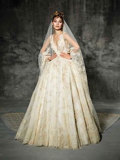 LLUNAS, yolancris, couture, dress, wedding, high, end, barcelona, bridal, gown, vestido, bride, tailored made, bespoke, best bridal designers, fashion, elegant, exclusive, costura, a medida, elegant, atelier, modernos