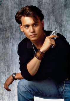 """Johnny Depp on 80s TV show """"21 Jump Street"""".OMG OMG...WHAT CAN I SAY...I WAS GONNA MARRY HIM :("""