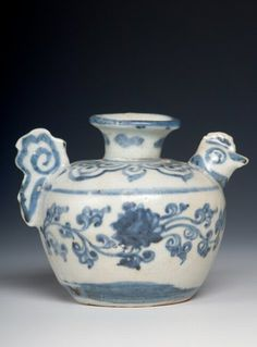 """Chinese export ceramic """"chicken"""" water dropper for the Asian market, 16th century, Ming dynasty - SOLD"""