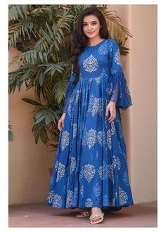 Stylish Dresses For Girls, Stylish Dress Designs, Designs For Dresses, Indian Gowns Dresses, Indian Fashion Dresses, Frock Fashion, Skirt Fashion, Fashion Fashion, Fashion Jewelry