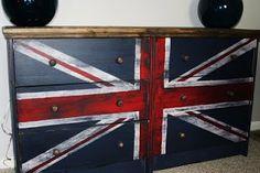 la vie en fuchsia: Nursery Details: Ikea RAST Hack - Union Jack Nightstand