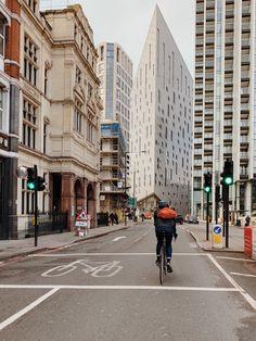 Bike Messenger, East London, Street View