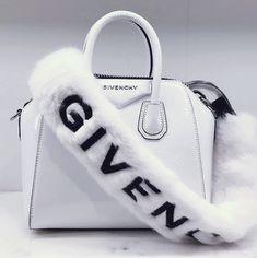 Fendi women's leather handbag shopping bag purse petite brown Luxury Purses, Luxury Bags, Luxury Handbags, Purses And Handbags, Cheap Handbags, Popular Handbags, Sacs Design, Louis Vuitton, Black Luxury