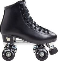 The Rookie Classic embodies the These black quad roller skates have a timeless design which channels that classic figure skating look. Adult Roller Skates, Black Roller Skates, Best Roller Skates, Roller Skate Wheels, Retro Roller Skates, Quad Skates, Skater Girl Style, Skate Girl, Roller Skating
