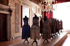 The exhibition portrays the influence of Russian émigrés on fashion, displaying costumes of Ballets Russes (The Russian Ballets) designed by Leon Bakst, Natalia Gončarova and Alexander Benois, as well as dresses worn by aristocrat Russian women who fled to Europe after the October Revolution in 1917. Most of the dresses are part of fashion historian Alexandre Vassiliev's personal collection, dating back to the 1920s and 1930s.