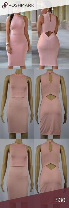 BOGO🔴 Sexy Bodycon Dress! Absolutely sexy and stunning! Dress has an opening in the lower back area. Simply gorgeous! Dresses Midi