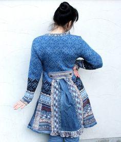 Reserviert für Malia Storey, kaufen Sie nicht diesen Artikel! Blaue Recycling Patchwork-Pullover-Mantel. Hergestellt aus recycelten Pullover und