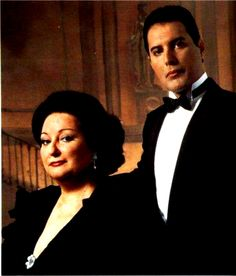 Soprano Montserrat Caballe and Freddy Mercury Queen Freddie Mercury, Queen Love, Save The Queen, Freddie Mercuri, Mr Fahrenheit, Pop Musicians, A Kind Of Magic, Roger Taylor, Queen Photos