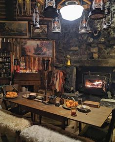 Old School Design - Rustic Home Tiny House Cabin, Cabin Homes, Log Homes, Cozy House, Winter Cabin, Cozy Cabin, Cabin Design, House Design, Cabin Interiors