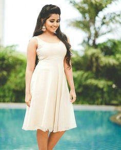 Indian Actress Images, South Indian Actress, Beautiful Indian Actress, Beautiful Actresses, Indian Actresses, Photography Poses Women, Portrait Photography, Anupama Parameswaran, India Beauty