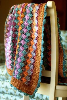 incredible colors ! - instructions available - no formal pattern.  Compliments to the creator of this blanket - amazing colors - clear description.