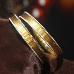 diamond bangle bracelet are beautiful Pic# 5609 Gold Bangles Design, Silver Bangles, Manubhai Jewellers, Italian Gold Jewelry, Gold Armband, Diamond Bangle, Diamond Pendant, Diamond Jewelry, Womens Jewelry Rings