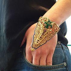 Instant extravagance Hand jewelery
