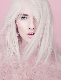 Portrait Photography - Platinum Hair - Editorial - Fashion pink